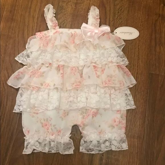 2f2b8e27b605 Baby ruffle Lace Romper